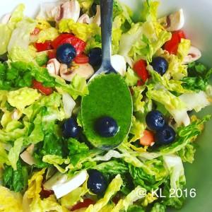 eine Schüssel frischer Salat